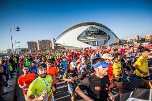 Valencia Marathon runners